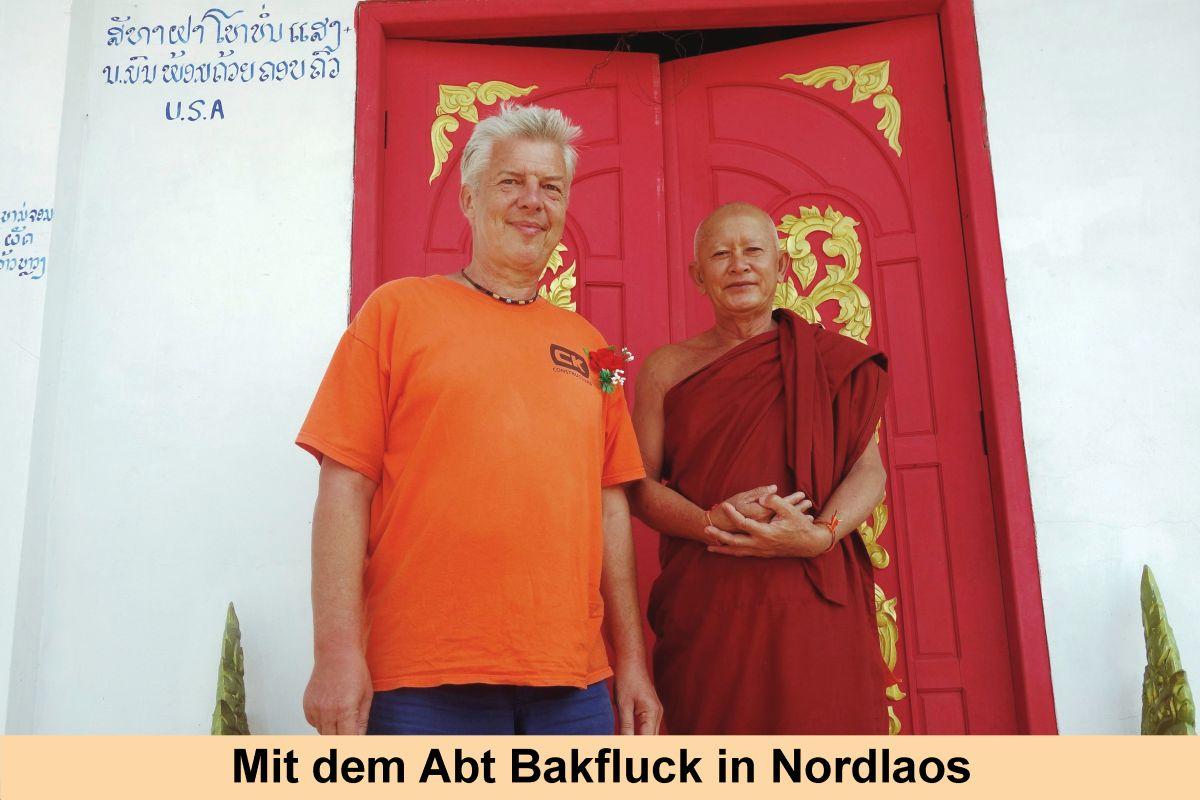 3-Mit-dem-Abt-in-Laos-2